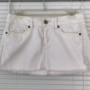 American Eagle Size 00 White Jean Skirt